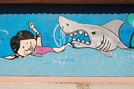 湘南茅ヶ崎(サザンビーチ)や大洗の海水浴場。サメで遊泳禁止はもう懲り懲り。