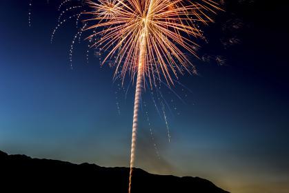 【2019年更新】小田原酒匂川花火は8月3日(土)に開催。10,000発の花火は圧巻です。