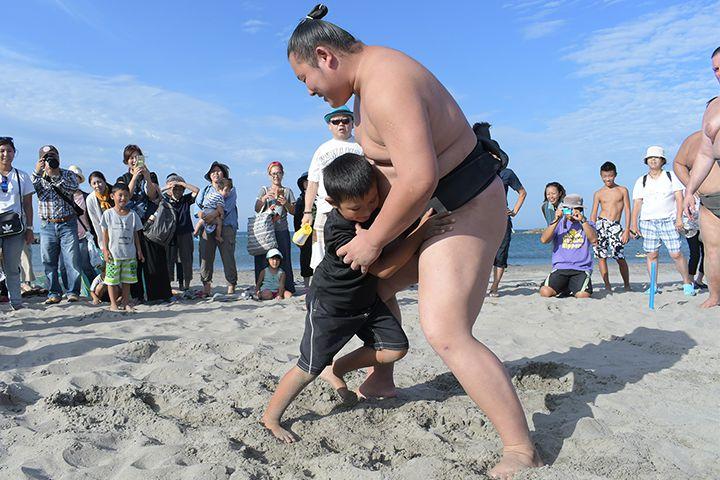 【藤沢】どすこいビーチクリーンが2019年8月24日に開催予定、今回は4部屋のお相撲さんが集まります。