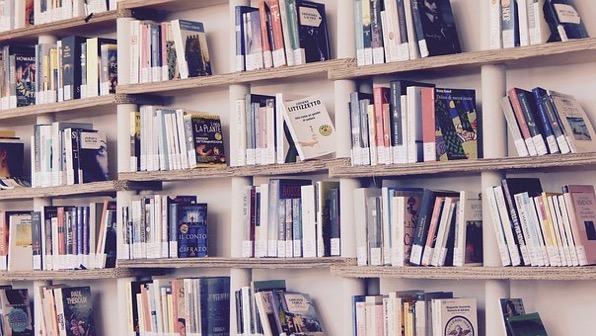 Books 1617327 340